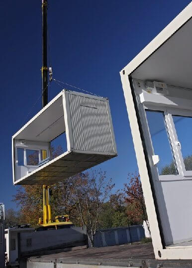 delivery of a modular building